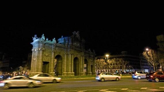 Los monumentos más emblemáticos de Madrid se apagan por un planeta más habitable