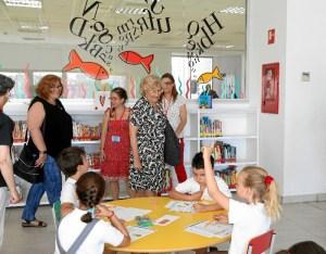 La biblioteca se ha ampliado de 100 metros cuadrados a 1.000 metros cuadrados y se ha invertido unos 500.000 euros.