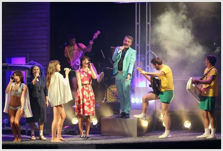 LA LLAMADA en el Teatro Lara