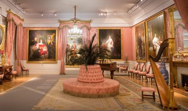LOS TRAJES DEL REAL En el Museo del Romanticismo