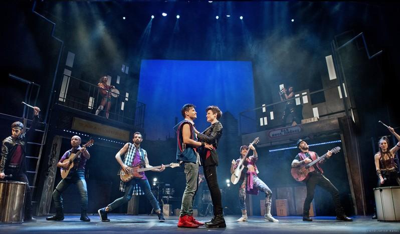 Mayumana RUMBA! en el Teatro Rialto