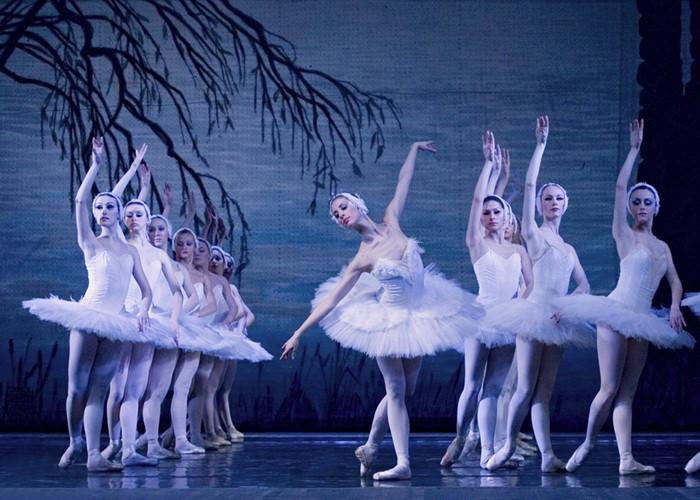 EL LAGO DE LOS CISNES - Royal Russian Ballet en Teatro Nuevo Apolo