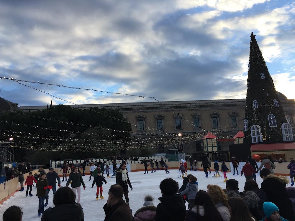 Nueva pista de hielo en la Plaza de Colón. Música, teatro y magia gratuitos