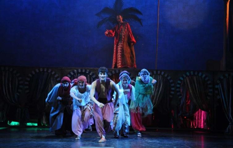 ALADINO Y LA LAMPARA (el musical) en el Teatro Sanpol