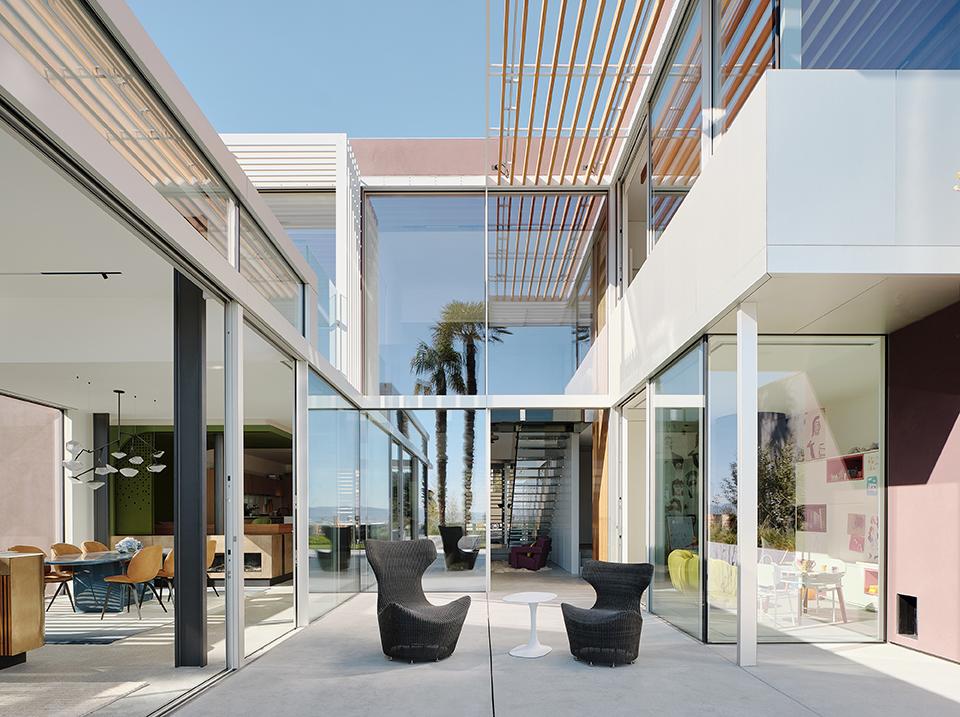 Fougeron Architecture's Translucence House patio area