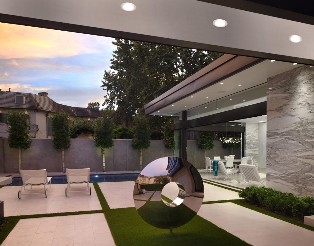 Gary R. Chandler Architecture & Interiors Torus sculpture