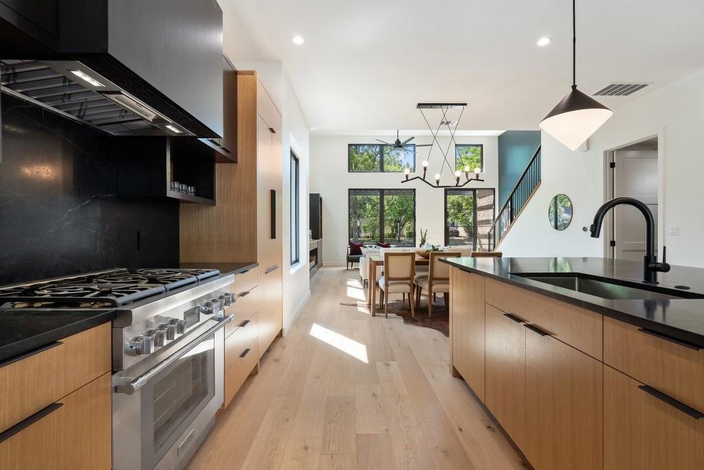 Studio Momentum Architects Kitchen