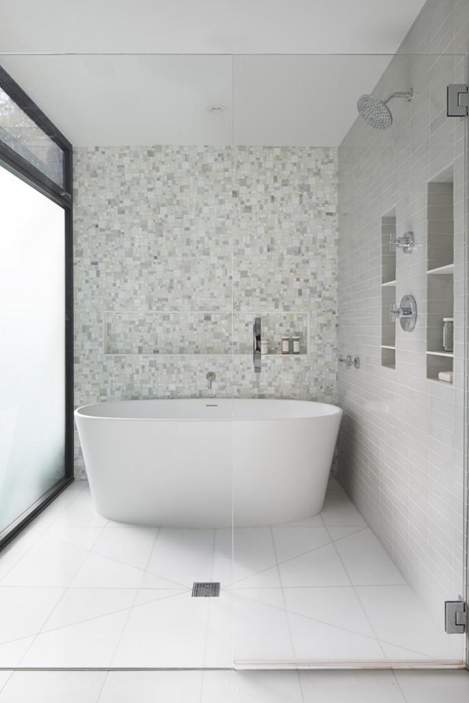 John Lum Architecture master bathroom