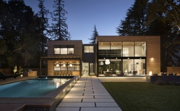 John Lum Architecture Pavilion-Style Courtyard Residence