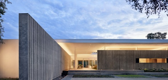 Specht Architects' Amazing Concrete and Glass Modern Home