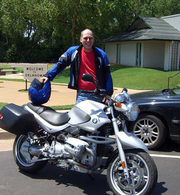 Pit stop at the Route 66 Museum in Clinton with the new R1150-R.