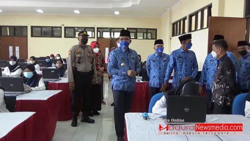 Hari Ke-5 Tes CASN Bupati Bangkalan R Abd Latif Amin Imron  Tinjau Langsung Pelaksanaan Tes