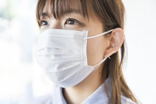 不織布マスクに裏表
