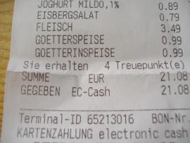 Foto eines EInkaufszettels mit den Punkten Eisbergsalat, Fleisch Goetterspeise und Goetterinspeise