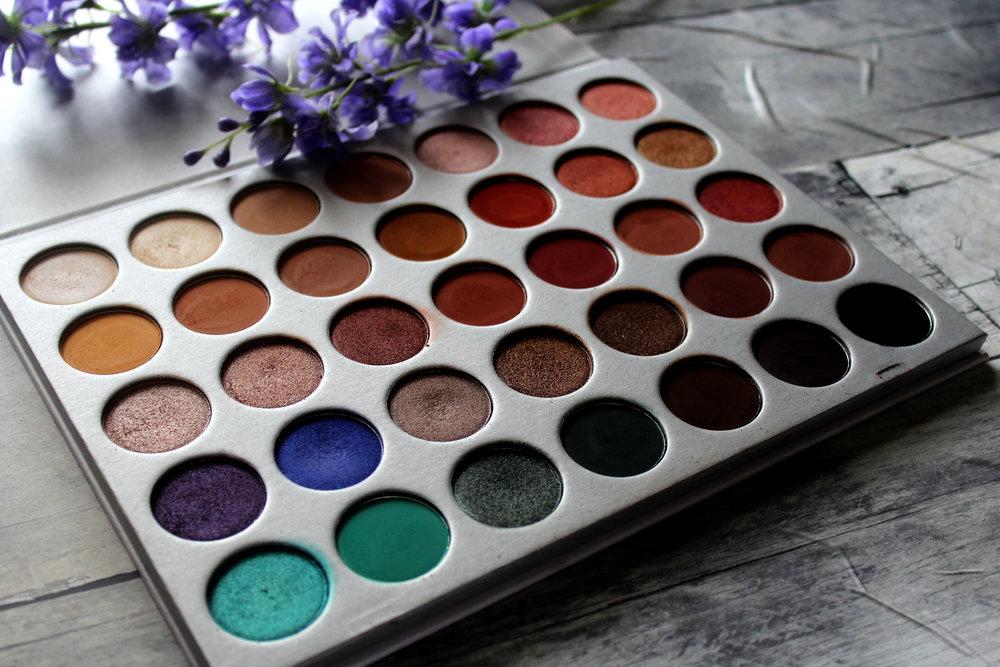 Morphe x Jaclyn Hill Eyeshadow Palette Review 2