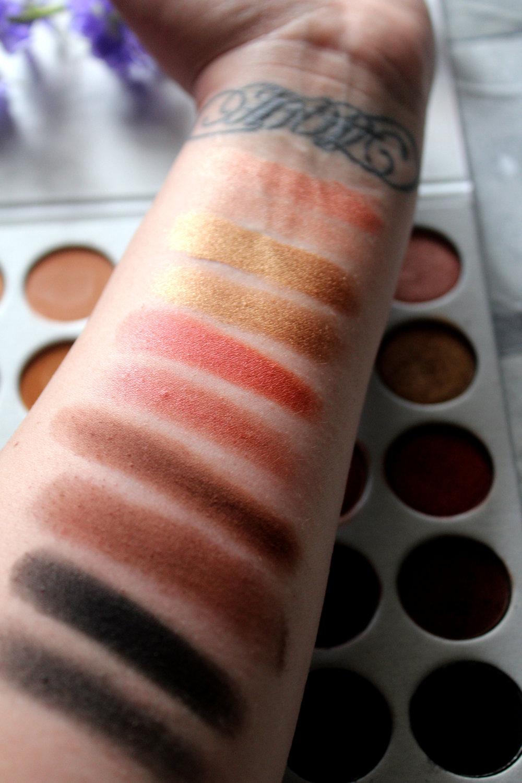 Morphe x Jaclyn Hill Eyeshadow Palette Review 9