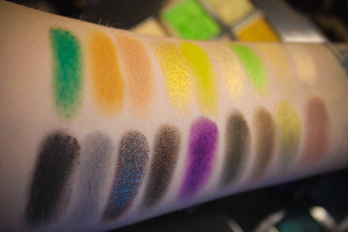 Is Jeffree Star Cosmetics Alien Palette Worth the Hype? 6