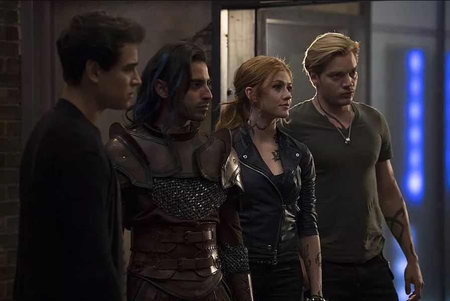 Comparing The Mortal Instruments: City of Heavenly Fire to Shadowhunters 4