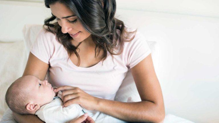 Como cuidar de um recém-nascido