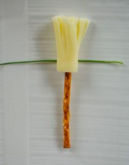 Vassoura de Bruxa de queijo 4