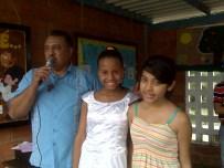 Nuestro director con Genesis y Marolga