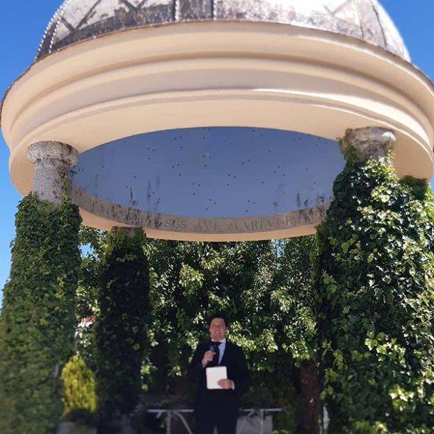Oficiamos una ceremonia de boda simbólica, con toques de humor alegre y divertida, para una pareja encantadora , en el impresionante y majestuoso #castillodeviñuelas todo ello exquisitamente organizado por @lamoralejaweddingplanners#weddingcelebrationmadrid#maestrodeceremoniasmadrid #bodacivilmadrid #oficiantedebodas #bodasoriginales #maestrodeceremoniaWww.maestrodeceremonias.es Mc@maestrodeceremonias.es Tel 644 597 199