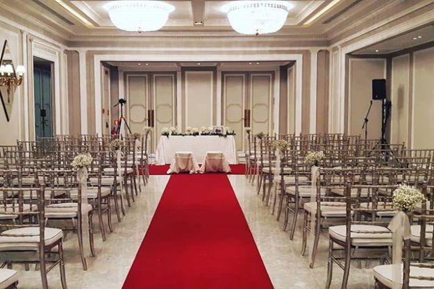 Ceremonia de Boda Civil en el Elegante salón del Hotel Villamagna de Madrid*****, una celebración de boda simbólica cinco estrellas en el corazón de Madrid gestionada impecablemente por el equipo del @villamagnahotel#ceremoniaselegantes #bodaconhumor #bilingualweddings #weddingcelebrationmadrid#maestrodeceremoniasmadrid #bodacivileslujo #oficiantedebodas #bodasoriginales #bodaenhotelvillamagna #ceremoniascincoestrellasWww.maestrodeceremonias.es Mc@maestrodeceremonias.es Tel +34 644 597 199