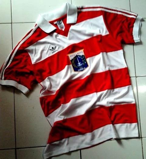 Jersey klasik Sepak Bola Persija Jakarta-buat jersey sepak bola