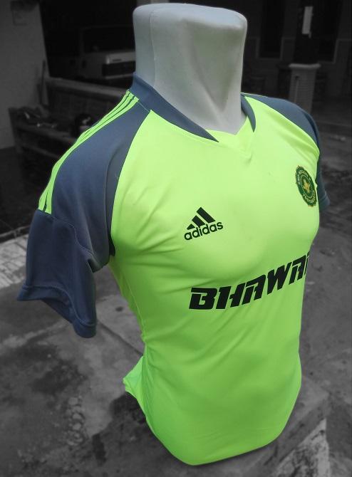 Baju Futsal SMP 8 Yogyakarta