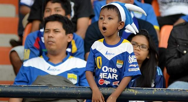 baju sepak bola anak persib