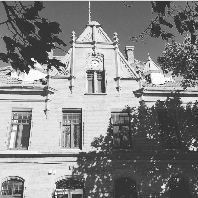 историческое здание администрации зеленоградска
