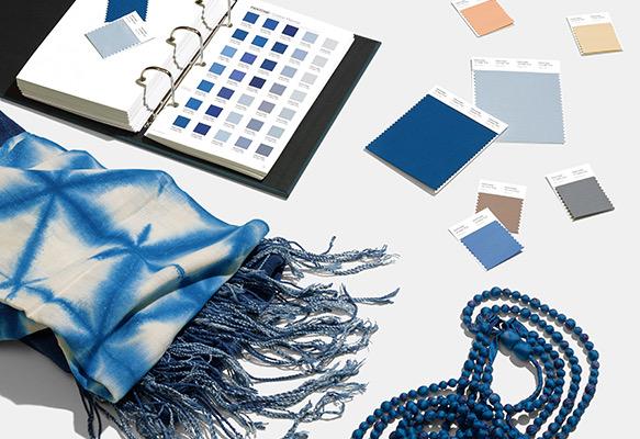 Цвет года Пантон классический синий 2020