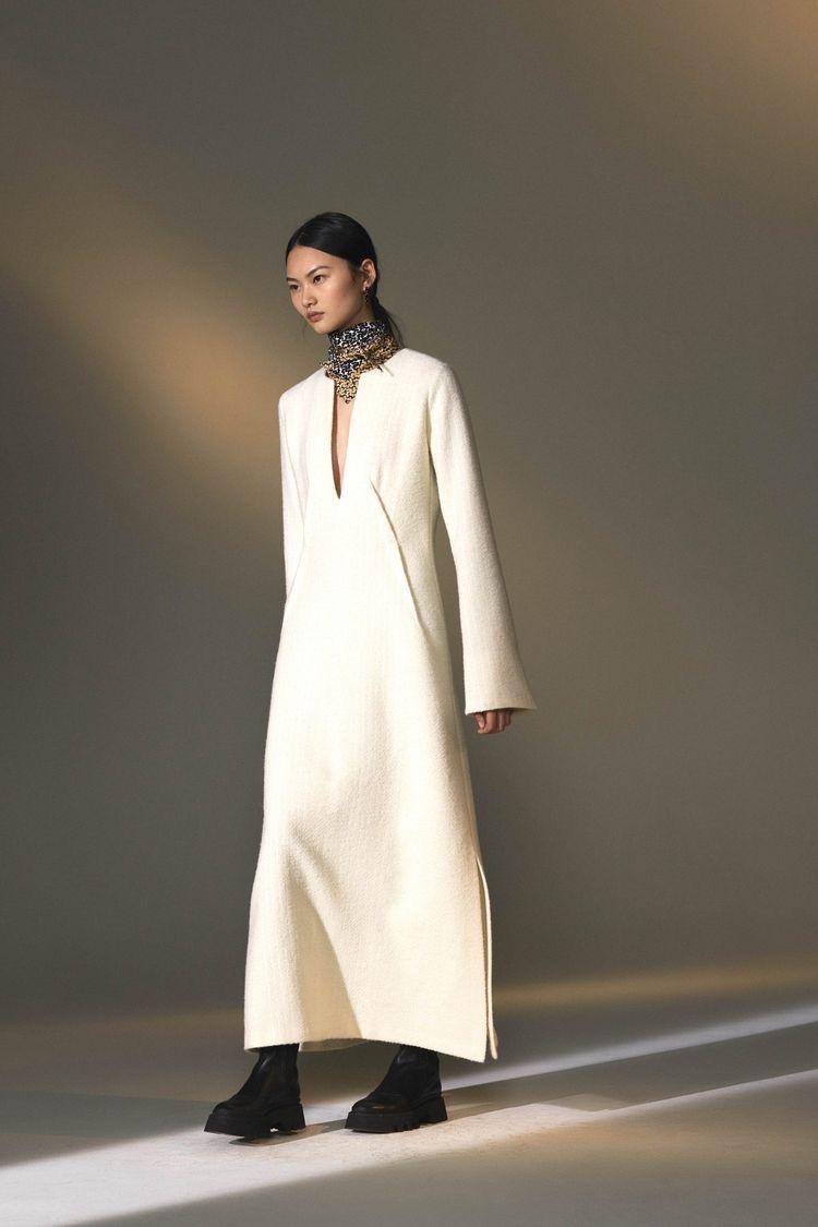 Платья длины макси