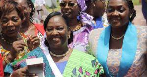 Les sages-femmes ivoiriennes célèbrent une des leurs