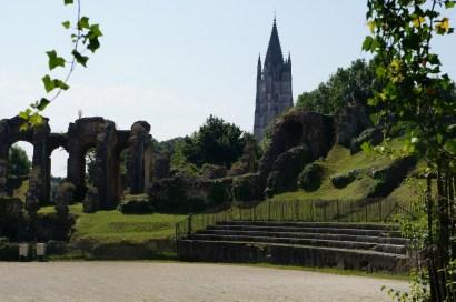 amphithéâtre et saint Eutrobe