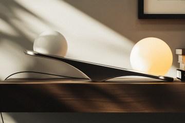傾斜開燈,義大利 Wave 檯燈展現自然平衡之美