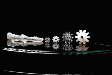 玻璃也可以射出成型?新技術 Glassomer 讓玻璃加工更精細且節能