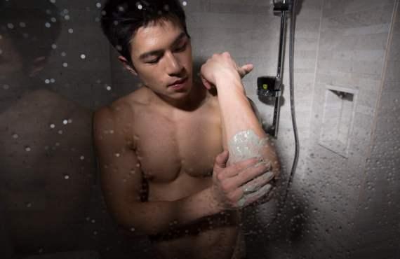 man-using-scrub