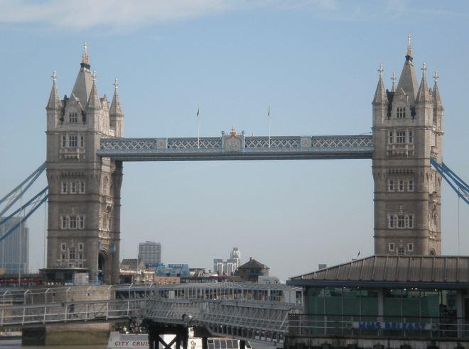 - Tower Bridge fechada -