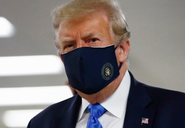 Trump Wears Mask in Public for First Time During Pandemic