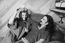 30 Apr 1979, Hollywood, Los Angeles, California, USA --- Frank Zappa and His Wife Playing With a Bird --- Image by © Neal Preston/CORBIS