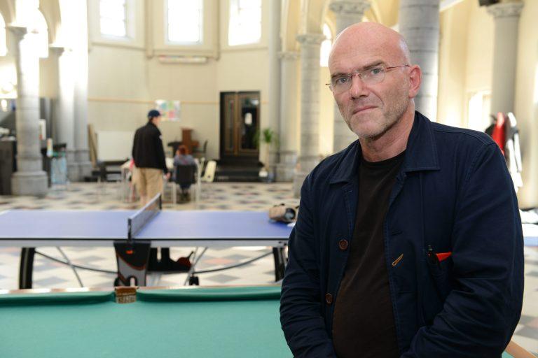 Psychiater Erik Thys roept op tot dringende reflectie over mens-zijn: 'Onze ziel verdient rehabilitatie'