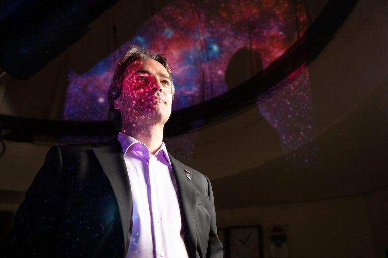 Top-astrofysicus Jan Cami: 'Als sterrenkundige kun je niet anders dan nederig zijn'
