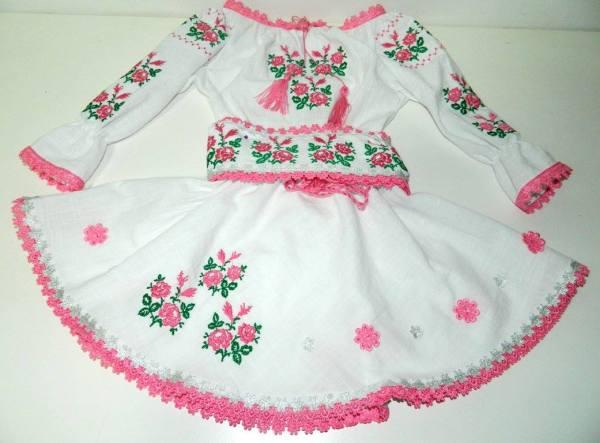rochie cu roz