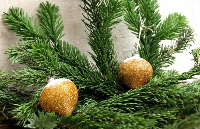 Upcycling: Christbaumkugeln in neuem Glanz erstrahlen lassen!