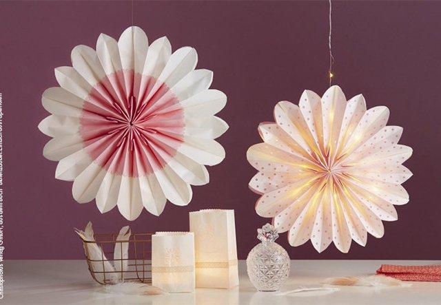 Blüten aus Tüten: Papierdeko einfach selber machen!