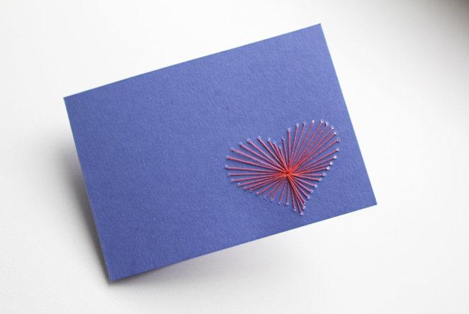 Valentinstagskarte mit Herzstickerei selber machen