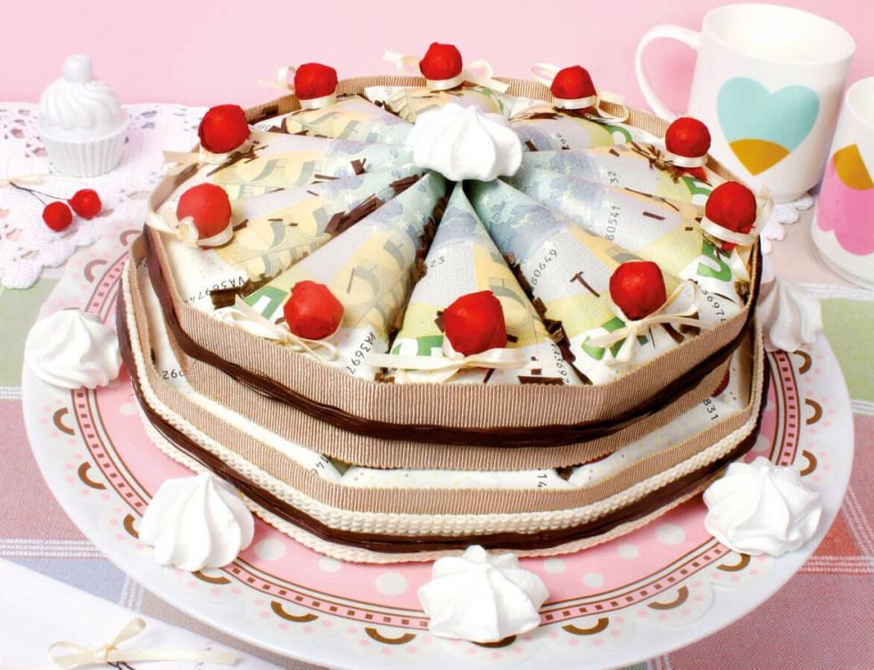 Makerist-Geburtstagsfeier-Torte-Geld-1