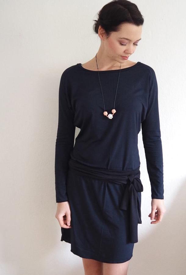 Makerist-Winterkleider-17-warme-Kleider-Raglankleid-mit-Fledermausärmeln-Schoko