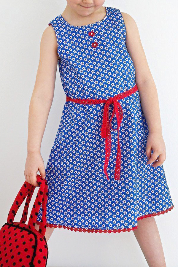 Makerist-Kleid-selber-nähen-Schnittmuster-für-den-Frühling-Kleid-Gracie
